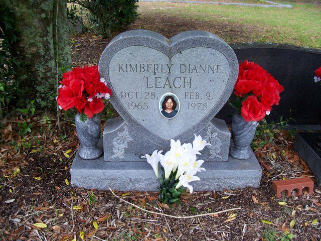kimberly-dianne-leach-grave-1549474262795-1549474264329.jpg