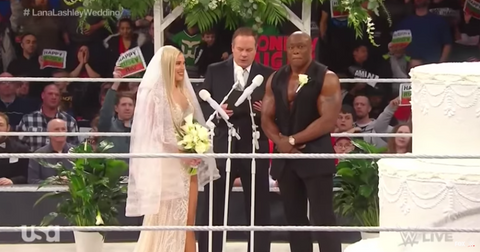 lana-and-bobby-lashley-wedding-real-1577819922300.png