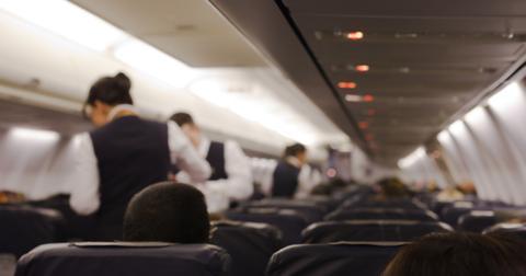 flight-attendant-3-1562610943644.jpg