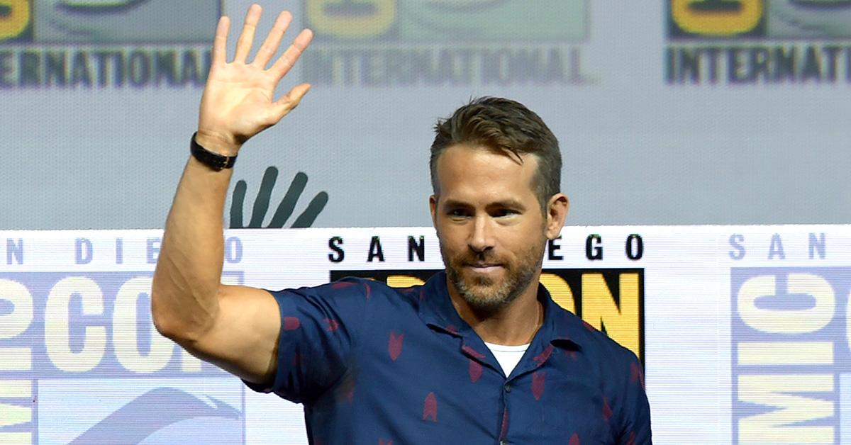 ryan-reynolds-comic-con-fan-1532450565751-1532450567560.jpg