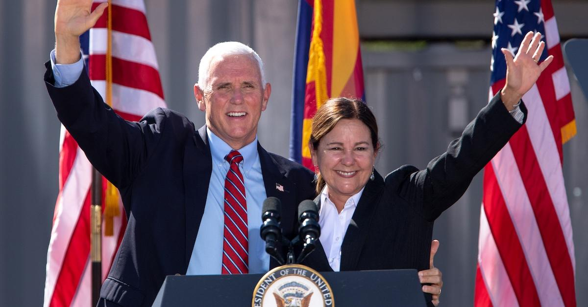 mike and karen pence campaigning