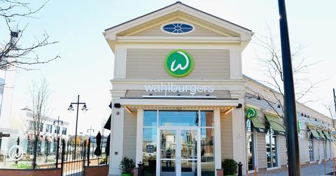 wahlburgers-location-1564597464163.jpg