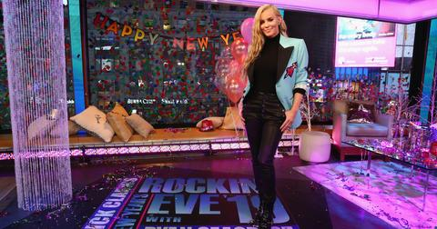 jenny-mccarthy-new-years-2020-feature-1577748505491.jpg