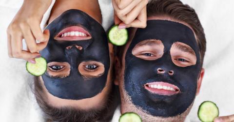 happy-couple-having-facial-in-spa-salon-picture-id1138202921-1556636572764.jpg