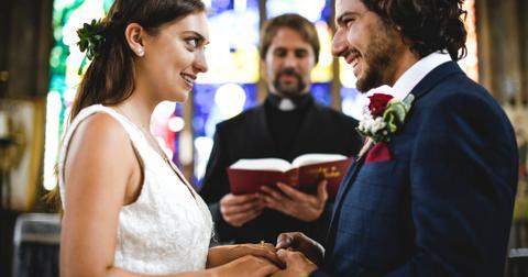 15-wedding-red-flag-minister-1556123734862.jpg