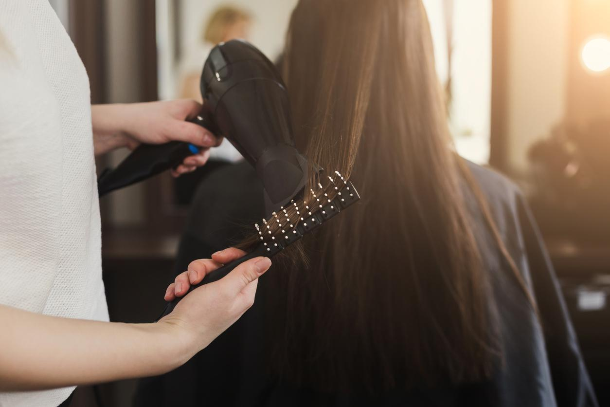 hairdresser-blowout-1548713113944.jpg