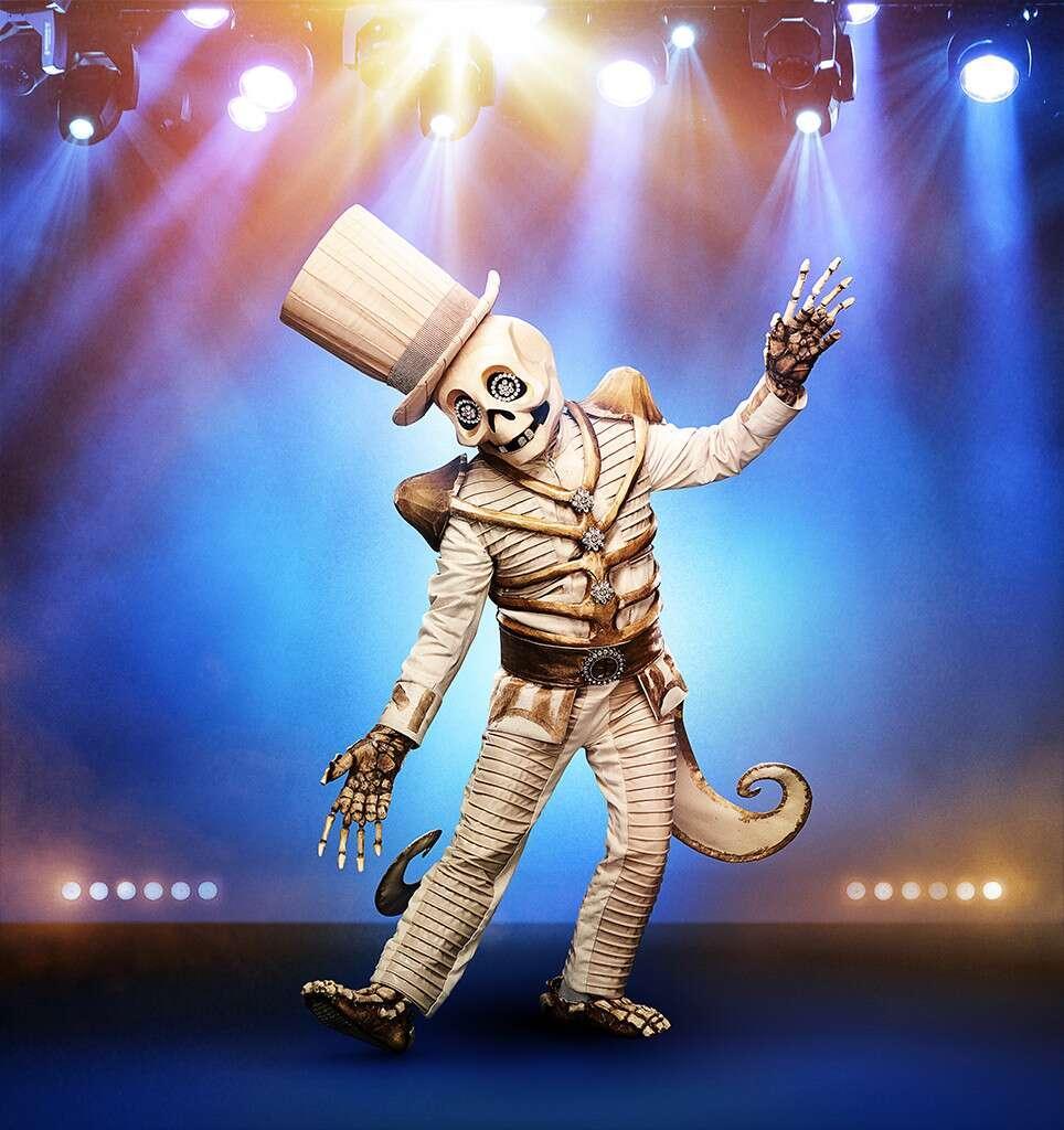 masked-singer-skeleton-1569442145024.jpg