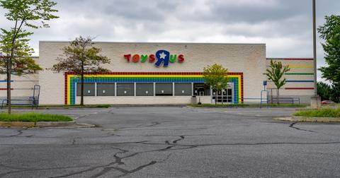 toys-r-us-1574883075453.jpg