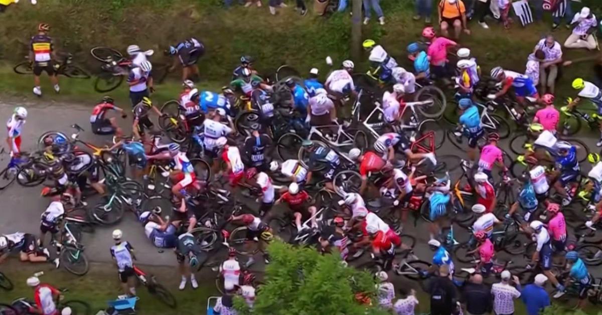 环法自行车赛2021年坠毁
