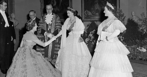 raine-spencer-meets-queen-elizabeth-1570136199373.jpg