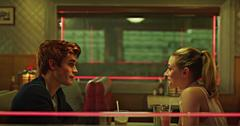 Archie and Betty on 'Riverdale'