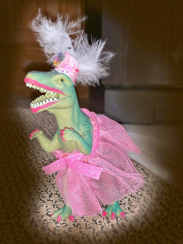 dinosaur-princess-party-1559928192757.jpg
