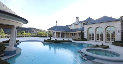 Jeffree Star S New House Has A Famous Previous Owner Crazy Backstory