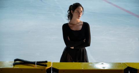 kaya-scodelario-ice-skating-1-1577998208241.jpg