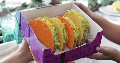 taco-bells-national-taco-day-dollar5-gift-set-box-1-1570124762091.jpg