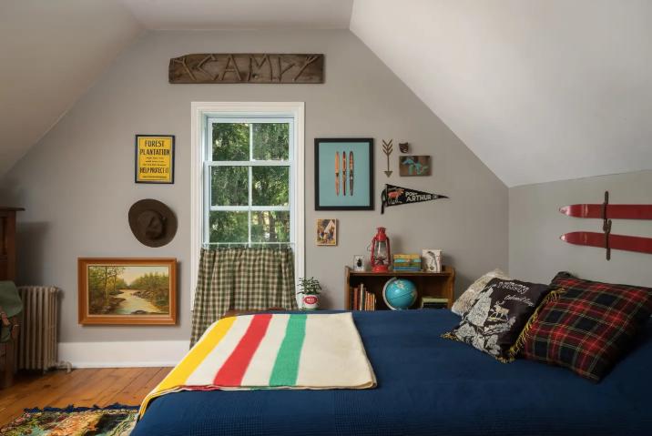 wes-anderson-airbnb-1557419824958.jpg