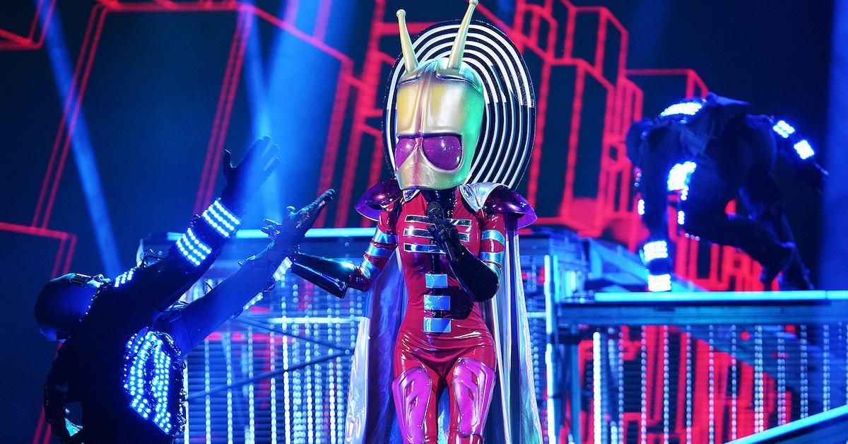 alien-masked-singer-performance-1547139724150.jpg