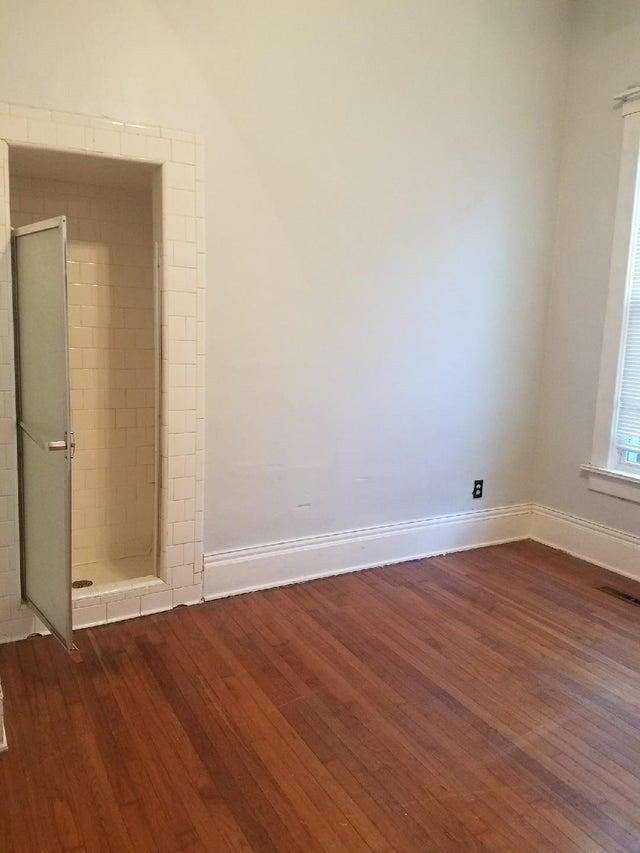 20-bad-bathrooms-1566403647699.jpg