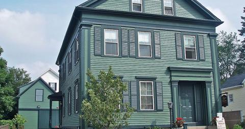 lizzie-borden-house-1556823362575.jpg