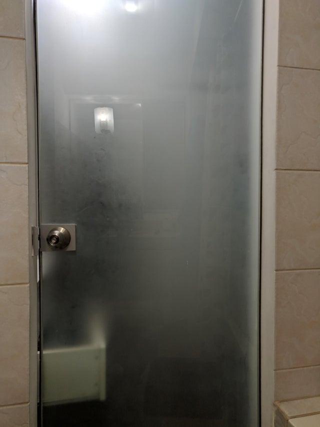 18-bad-bathrooms-1566403613150.jpg