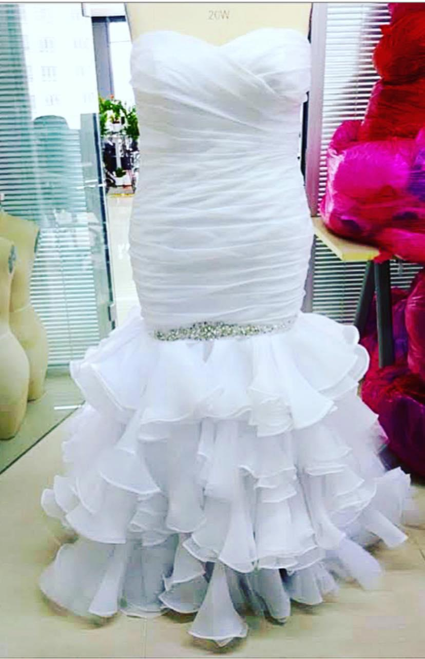 1-wedding-dress-1605277020260.jpg