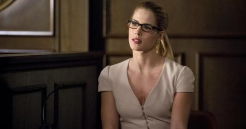 arrow-felicity-emily-bett-rickards-1565368153902.jpg