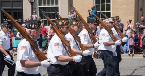 memorial-day-parade-2-1558634106302.jpg