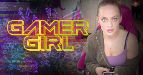 gamer-girl-1595269782250.png