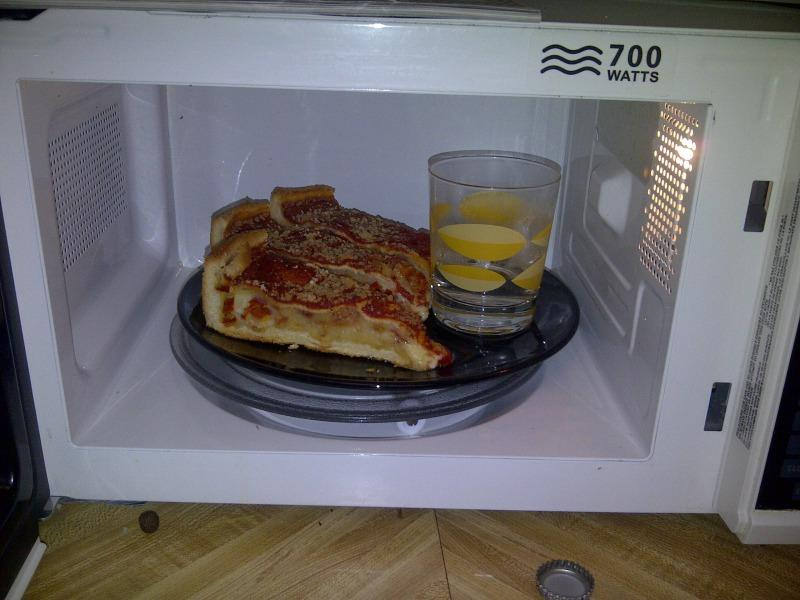 pizza-water-microwave-1554749223912.jpg