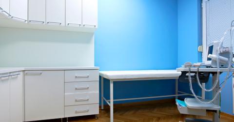 4-doctors-office-1562948845040.jpg
