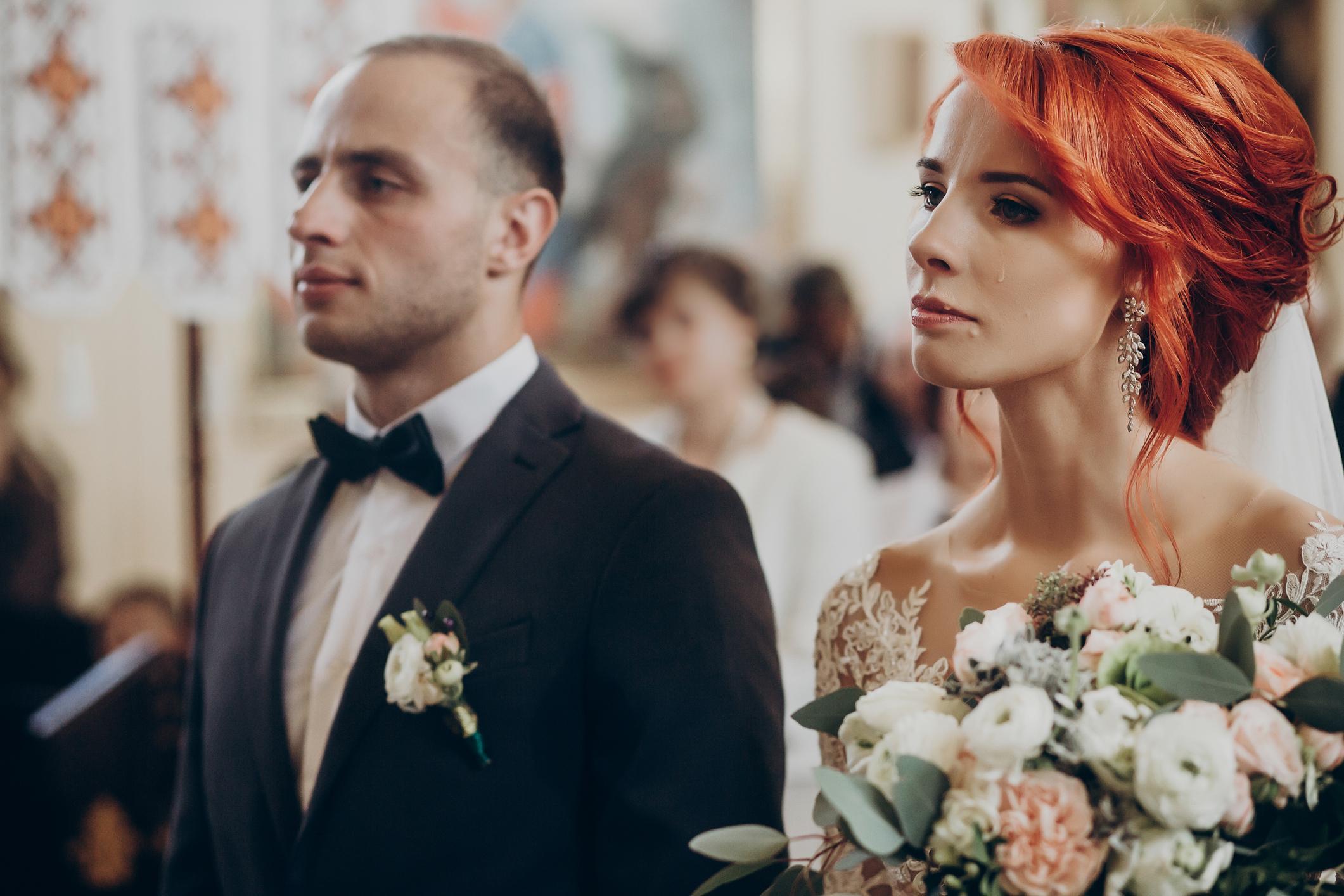 4-wedding-red-flag-silent-groom-1556122510139.jpg
