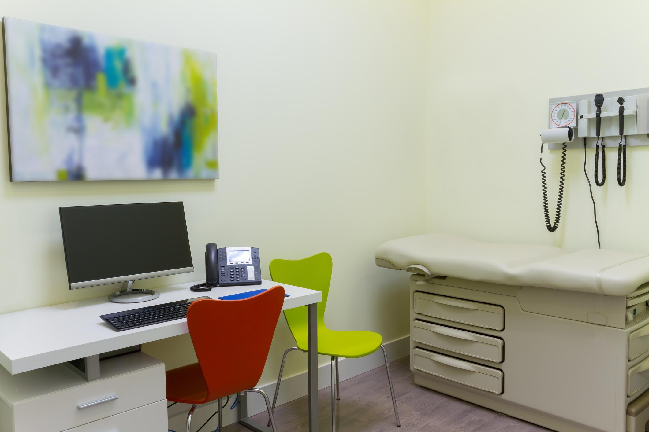 3-doctors-office-1562948596567.jpg