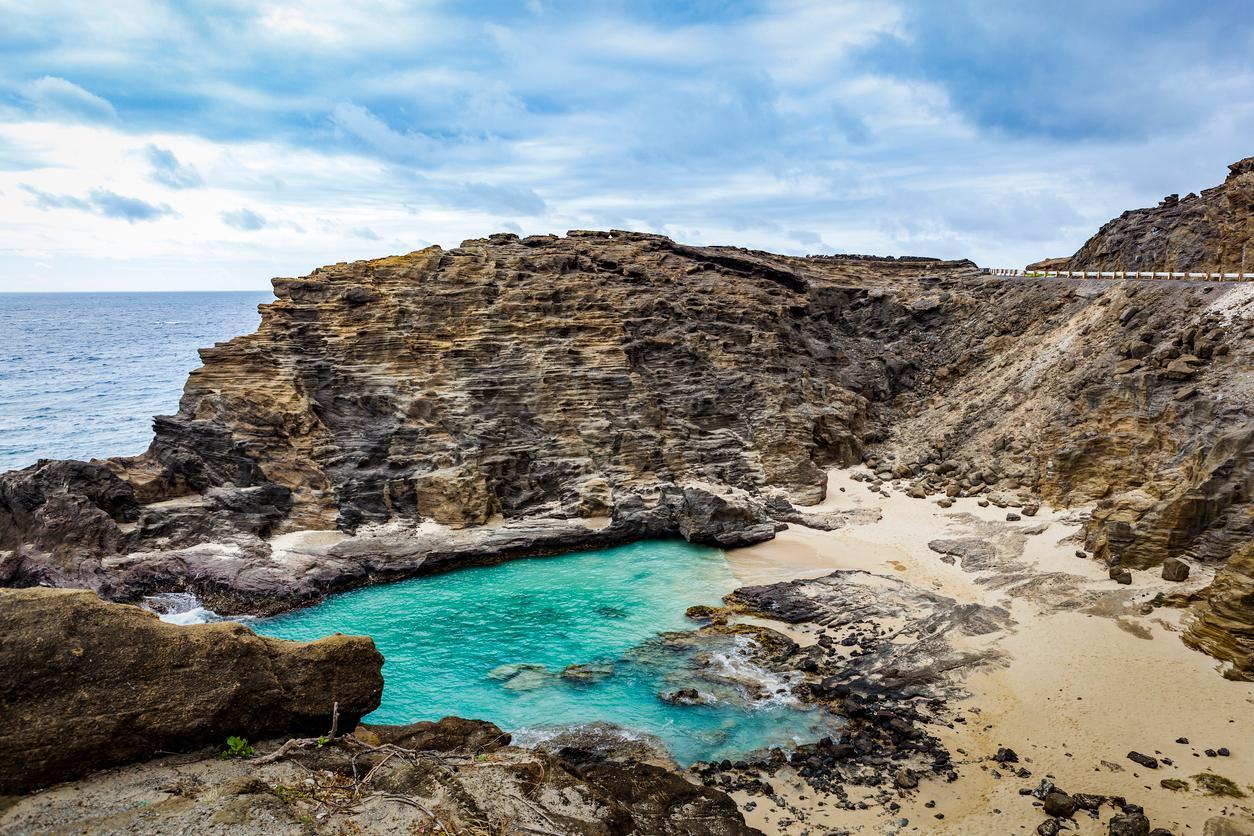 hawaiian-lagoon-1551990190906.jpg