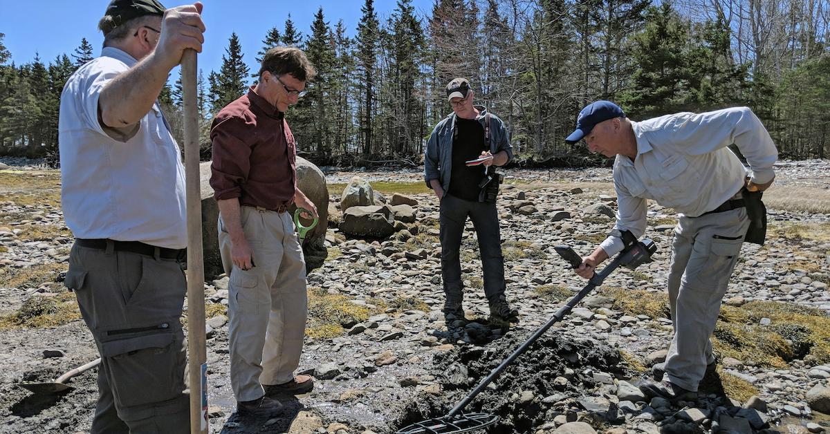 curse oak island metal detector