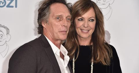 is-william-fichtner-really-in-a-wheelchair-2-1556229746772.jpg