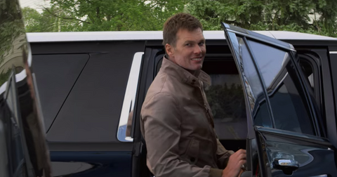 tom-brady-cameo-living-with-yourself-1571769581691.png