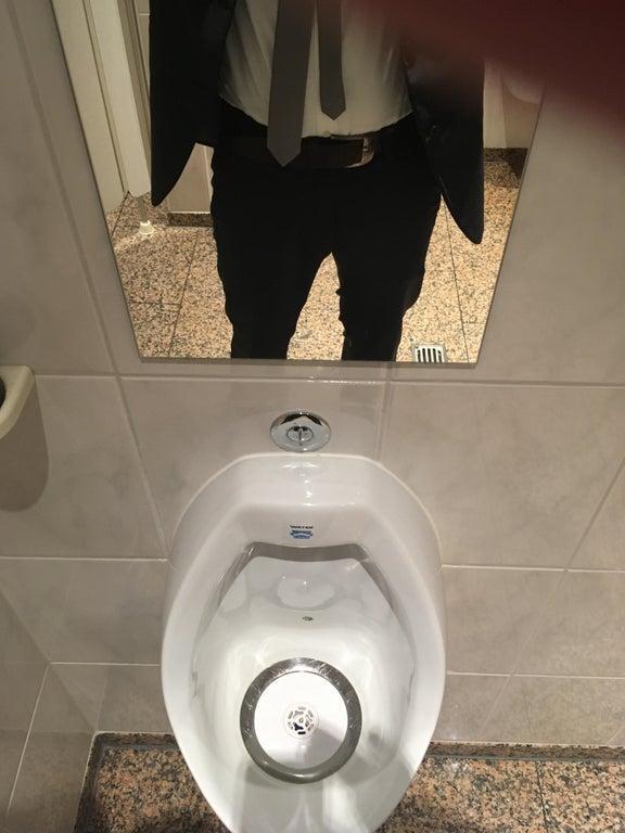 5-bad-bathrooms-1566403374330.jpg