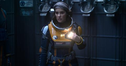 parker-posey-lost-in-space-1577132099963.jpg
