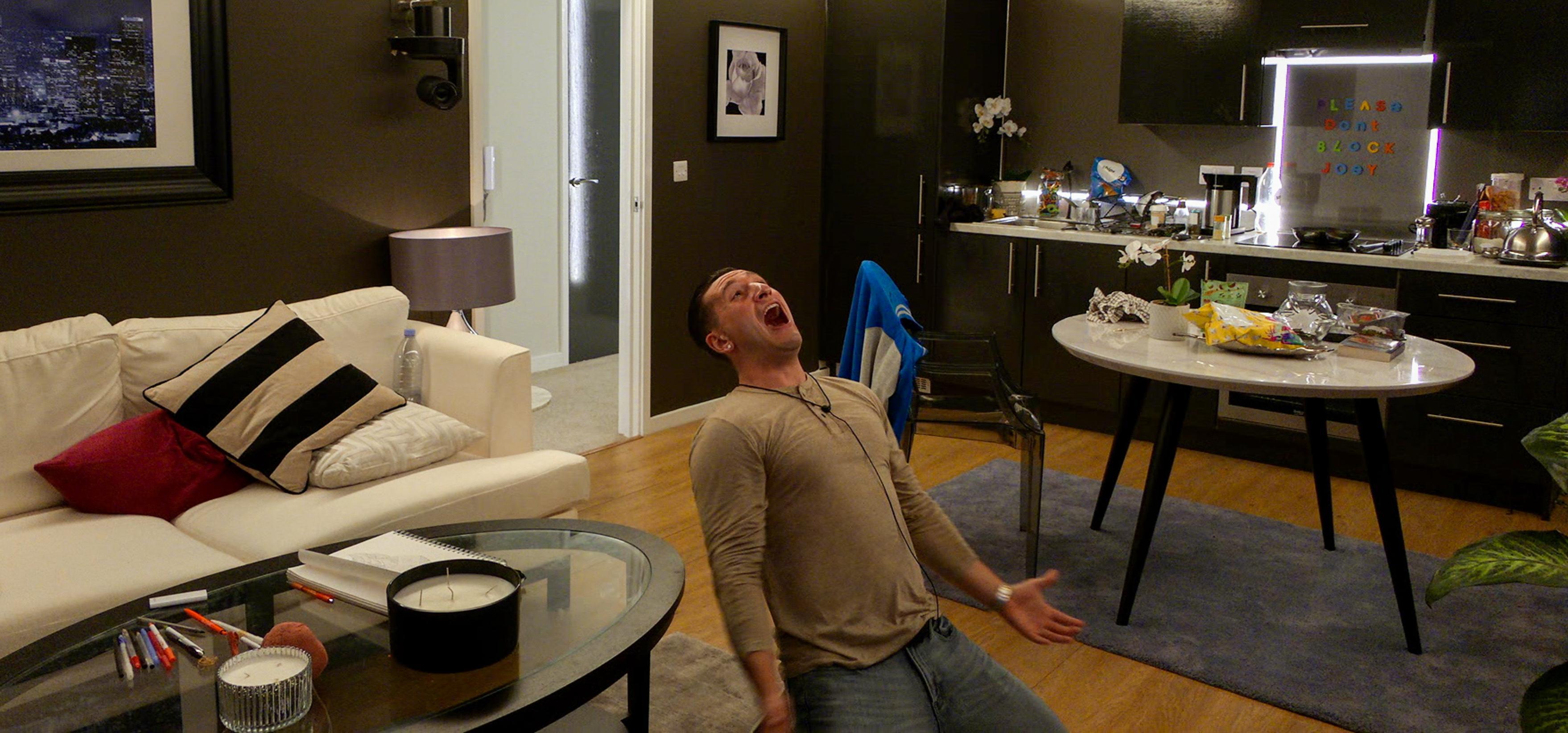 Joey in 'The Circle' season 1