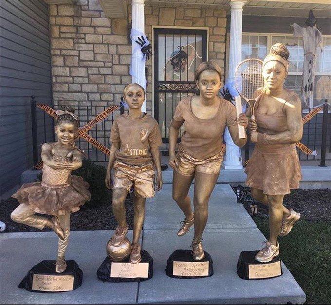 viral-halloween-costumes-trophies-1572276710062.jpeg