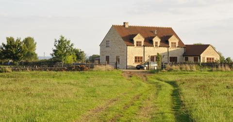 farmhouse-1564415088447.jpg