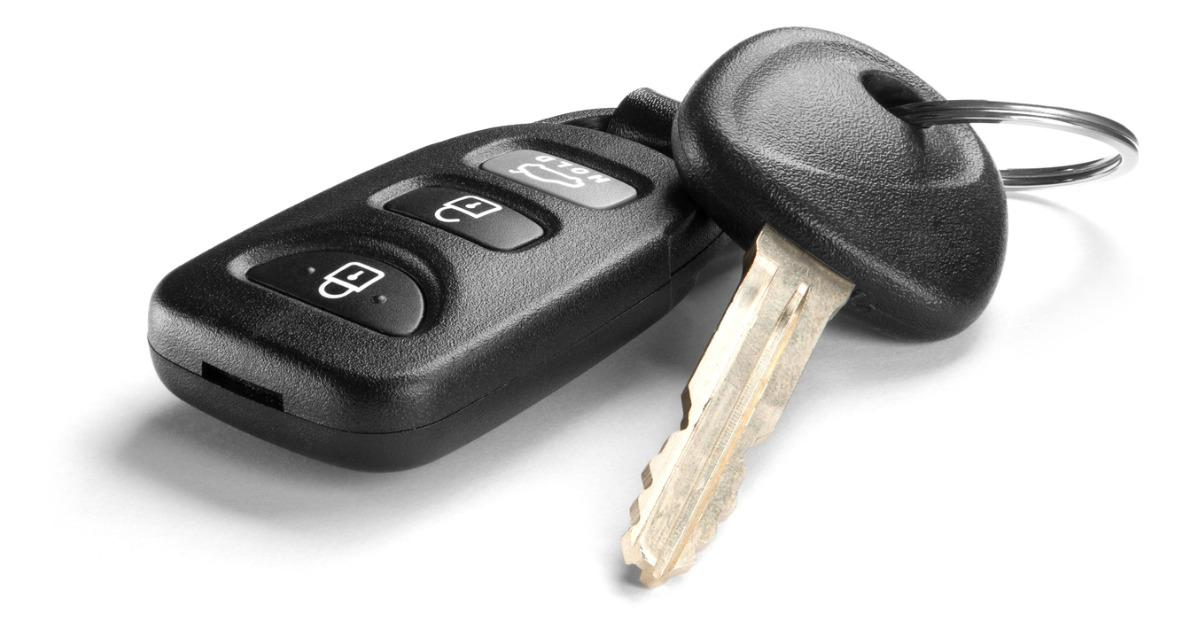 black-car-key-and-remote-on-white-background-picture-id466931959-1536098185632-1536098187269.jpg